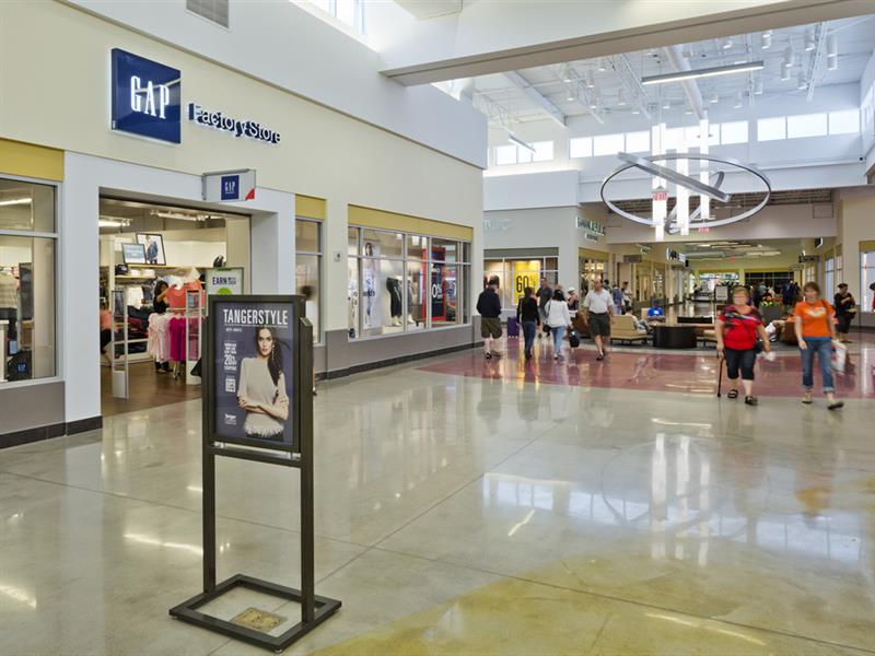 Tanger Outlets Cookstown Center Image #10