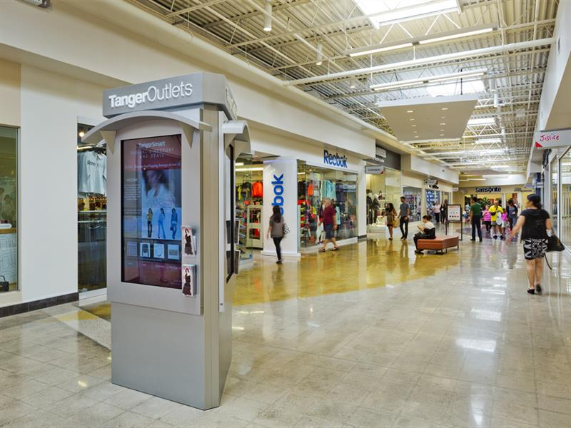 Tanger Outlets Cookstown Center Image #12