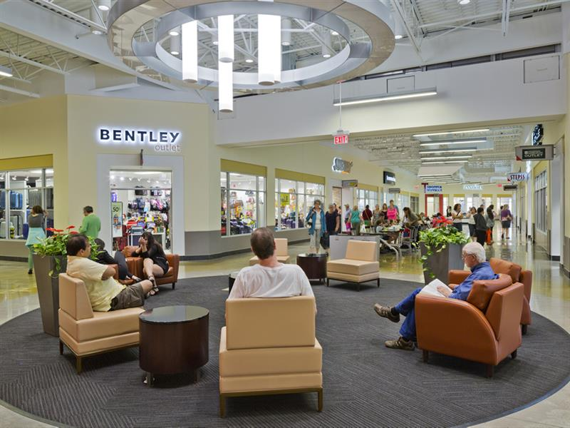 Tanger Outlets Cookstown Center Image #14