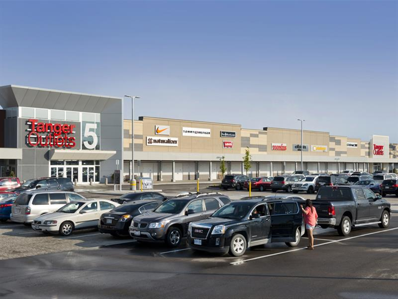 Tanger Outlets Cookstown Center Image #17