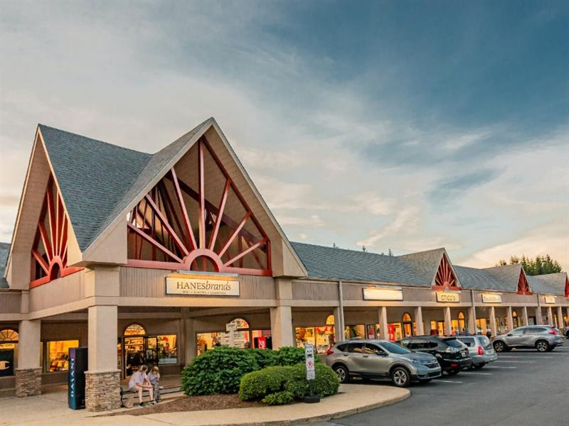 Tanger Outlets Blowing Rock Center Image #2