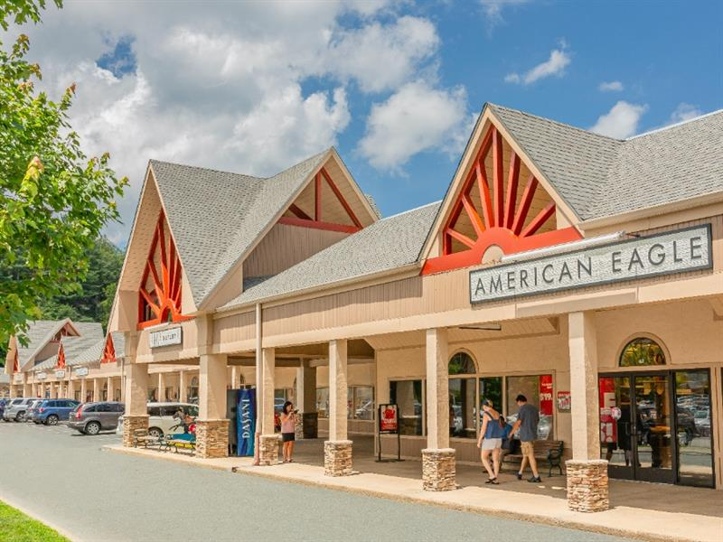 Tanger Outlets Blowing Rock Center Image #3