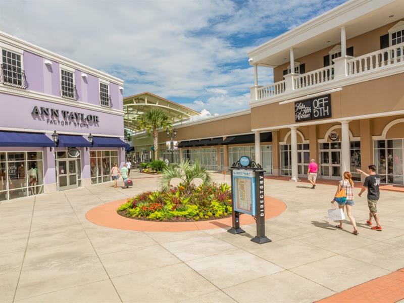 Tanger Outlets Charleston Center Image #1
