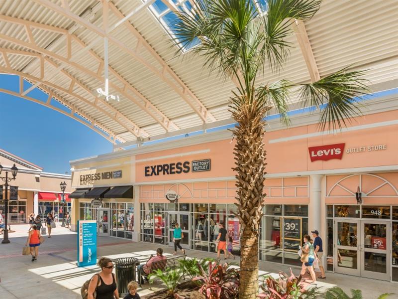 Tanger Outlets Charleston Center Image #4