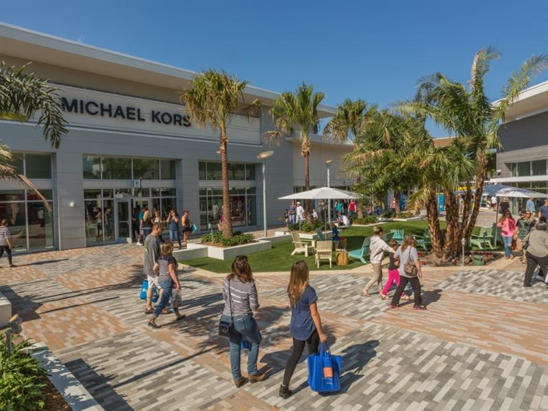 Tanger Outlets Daytona Beach Center Image #2