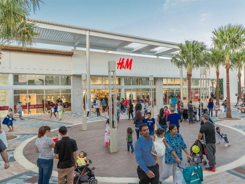 Tanger Outlets Daytona Beach Center Image #4