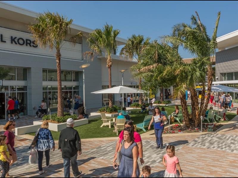 Tanger Outlets Daytona Beach Center Image #5