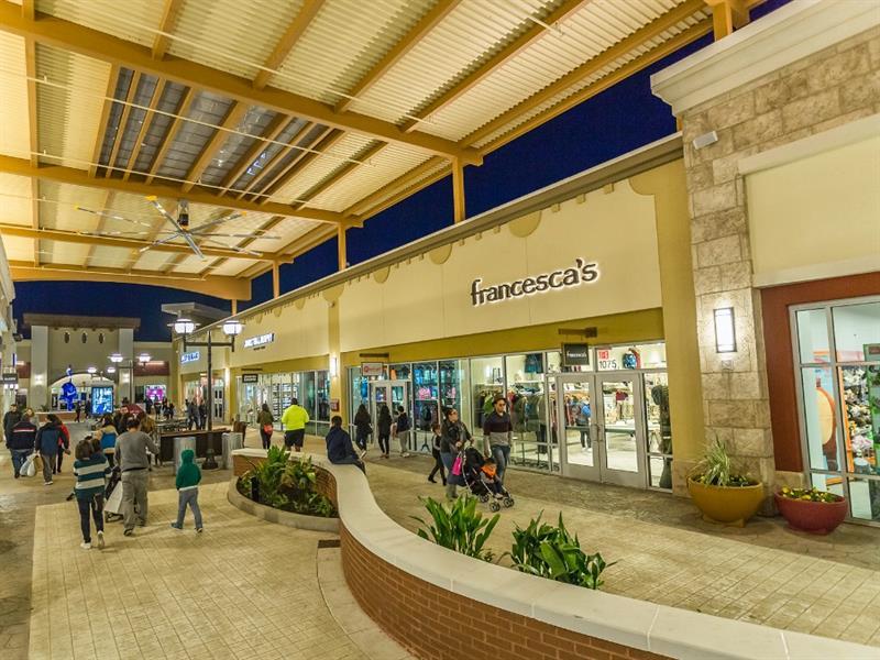 Tanger Outlets Fort Worth Center Image #3