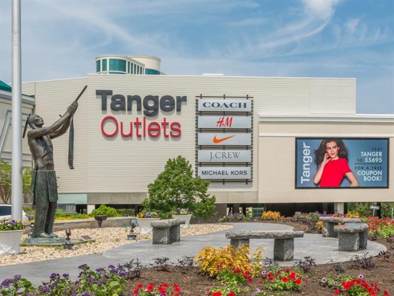 Tanger Outlets Foxwoods/Mashantucket Center Image #1