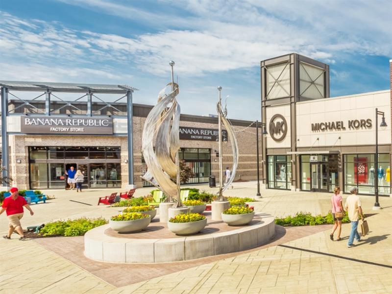 Tanger Outlets Grand Rapids Center Image #1