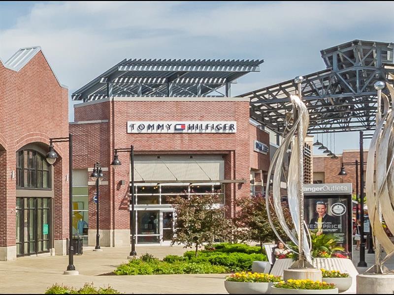 Tanger Outlets Grand Rapids Center Image #5
