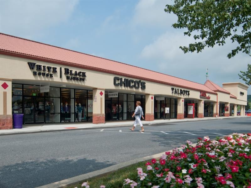 Tanger Outlets Hershey Center Image #2