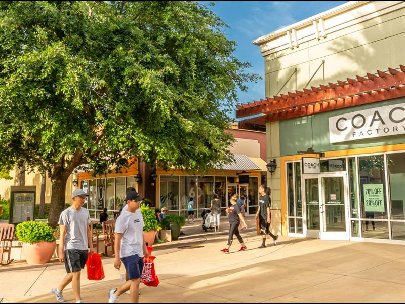 Tanger Outlets Houston Center Image #5