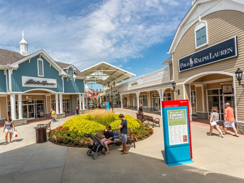 Tanger Outlets Pittsburgh Center Image #2