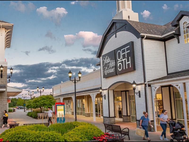 Tanger Outlets Pittsburgh Center Image #5