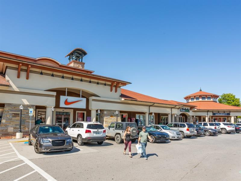 Tanger Outlets Sevierville Center Image #1