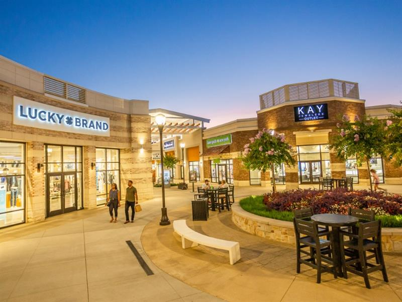 Tanger Outlets Southaven Center Image #2