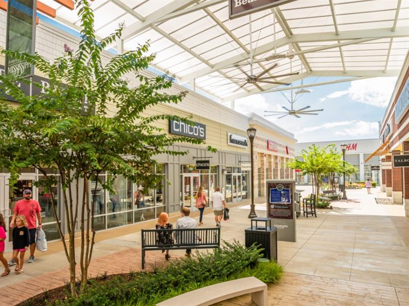 Tanger Outlets Southaven Center Image #3